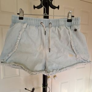 Piping Hot Size 16 Blue Faded Denim Shorts